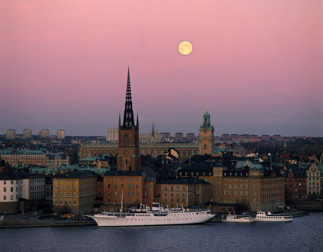 hans_strand-full_moon_over_stockholm-7474-7.jpg