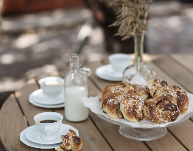 tina_stafren-fika_with_cinnamon_buns-7518-7.jpg